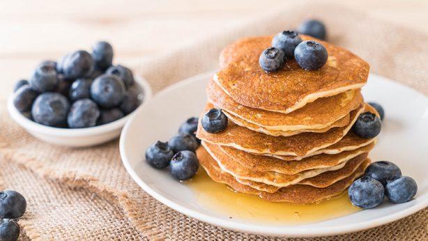 organic blueberry pancakes from Uncle Matt's Organic